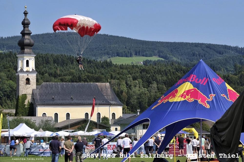 Fallschirmweltcup 2017 - Punktgenaue Landungen in Thalgau