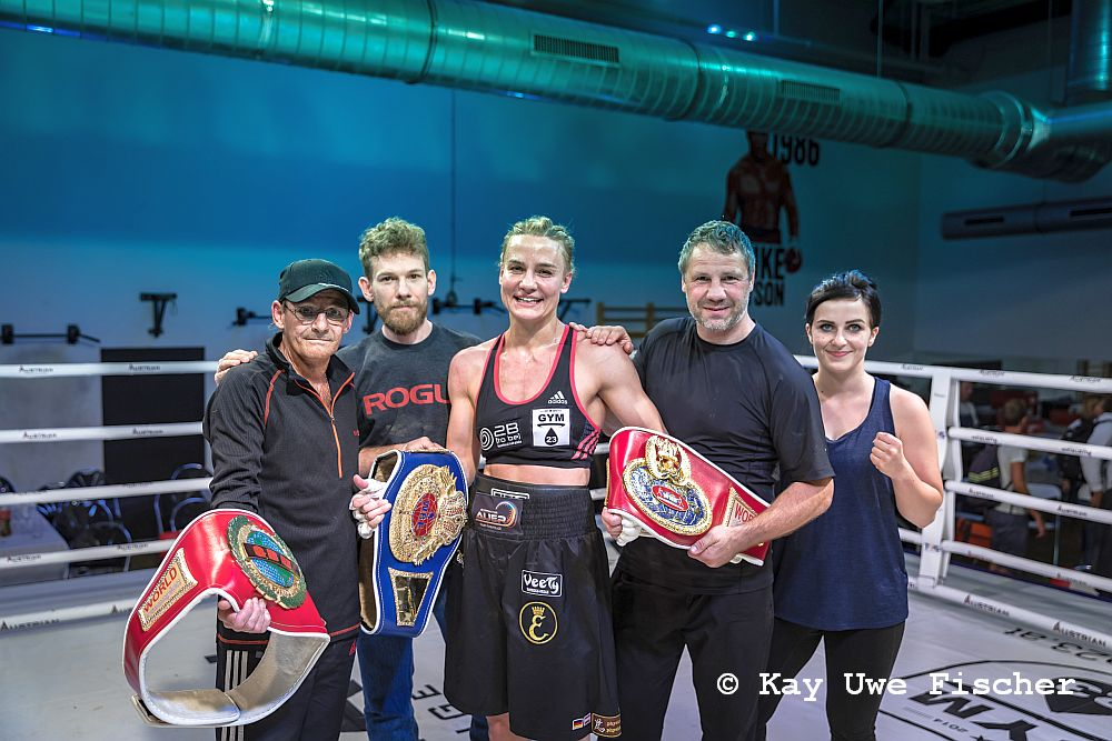 Wiener Boxerin Nicole Wesner gewinnt WM Kampf durch Knock-out