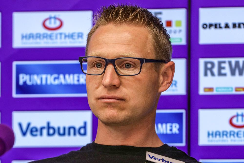 """Robert Ibertsberger (Trainer Austria Wien): """"Großes Kompliment an die Mannschaft."""""""
