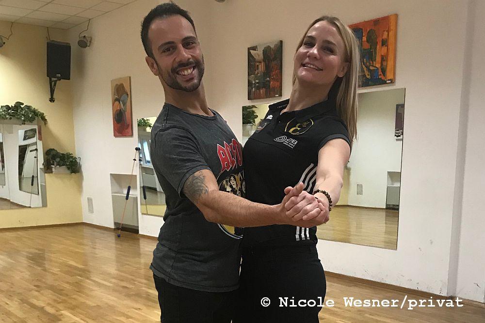 Dancing Stars Finalistin & Profi-Boxweltmeisterin Nicole Wesner tanzt ihr 1. Tunier
